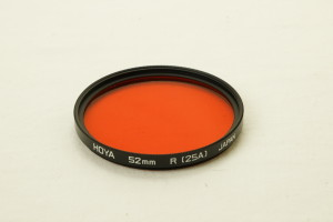 Hoya 52mm R (25A) Red Filter in Crystal Case