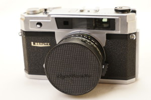 Beauty Lightomatic III 35mm Rangefinder Camera in case