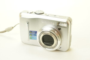 Samsung S1065 5x zoom 10.2mp Digital Compact Camera