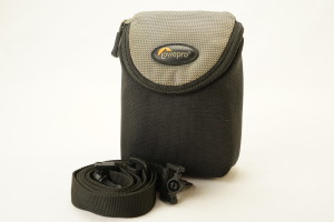 Lowepro D-Res 8 Camera Pouch with Shoulder Strap