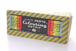 Johnsons Retouching/Colouring Outfit