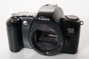 Canon EOS 500 35mm SLR Camera Body