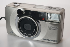Olympus Newpic Zoom 600 APS Camera
