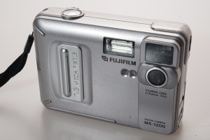 Fuji MX-1200 1.3 MP Digital Camera