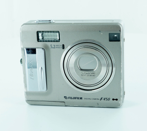 Fujifilm FinePix F Series F450 5.2MP Digital Camera