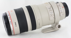 Canon EF 100-400mm f/4.5-5.6 L IS USM Lens in Case