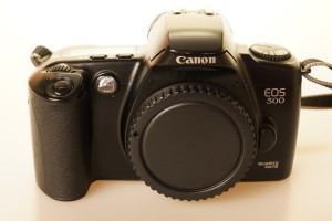 Canon EOS 500 Quartz Date 35mm SLR Camera Body